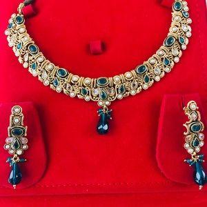 Jewelry - Indian Pakistani Bollywood Choker set